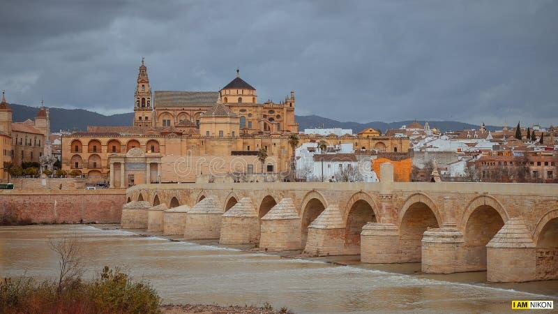 reconquista islamique islamique de bâtiment d'âge d'or d'art de randonneurs de Cordoue Espagne Andalousie l'Europe de Mezquita-ca image libre de droits
