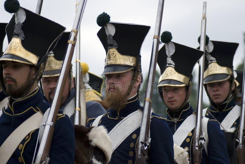 Reconstitution historique de bataille de Borodino en Russie Soldats russes d'armée image stock
