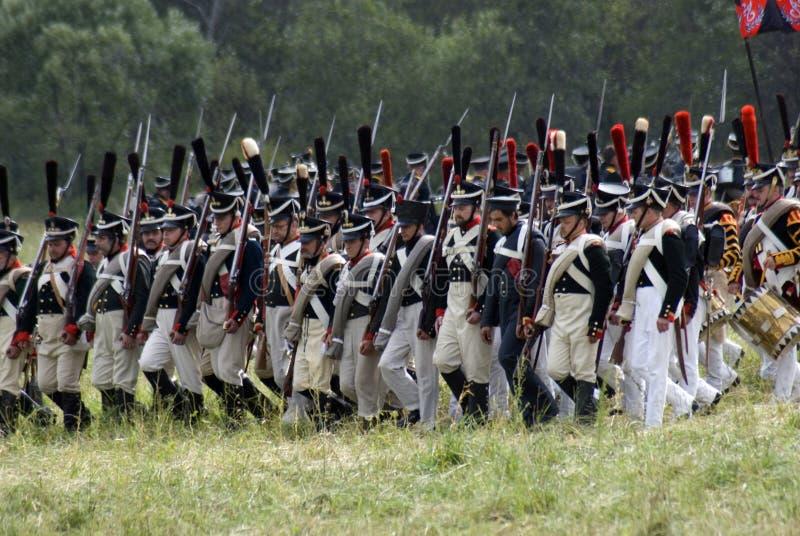 Reconstitution historique de bataille de Borodino en Russie Soldats russes d'armée photo stock