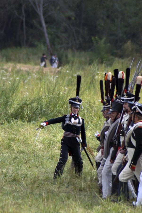 Reconstitution historique de bataille de Borodino en Russie Soldats russes d'armée photos stock