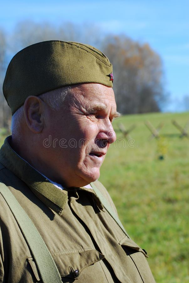 Reconstitution historique de bataille de Moscou Soldats-reenactors russes image libre de droits