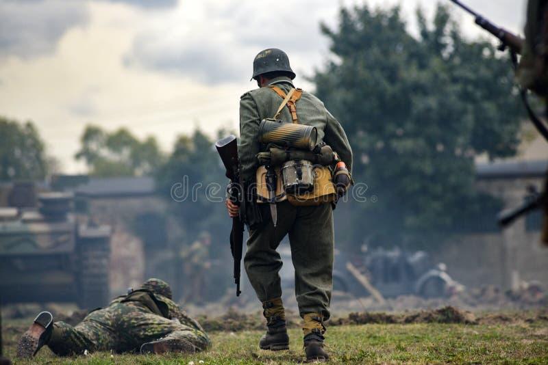 Reconstitution historique des soldats pendant la deuxième guerre mondiale, photo stock