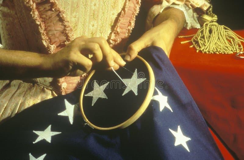 Reconstitution vivante d'histoire de la fabrication du premier drapeau américain, Philadelphie, Pennsylvanie images libres de droits