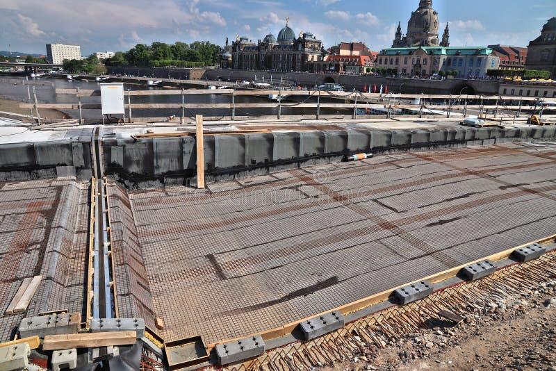 Reconstrução da ponte de Dresden fotografia de stock