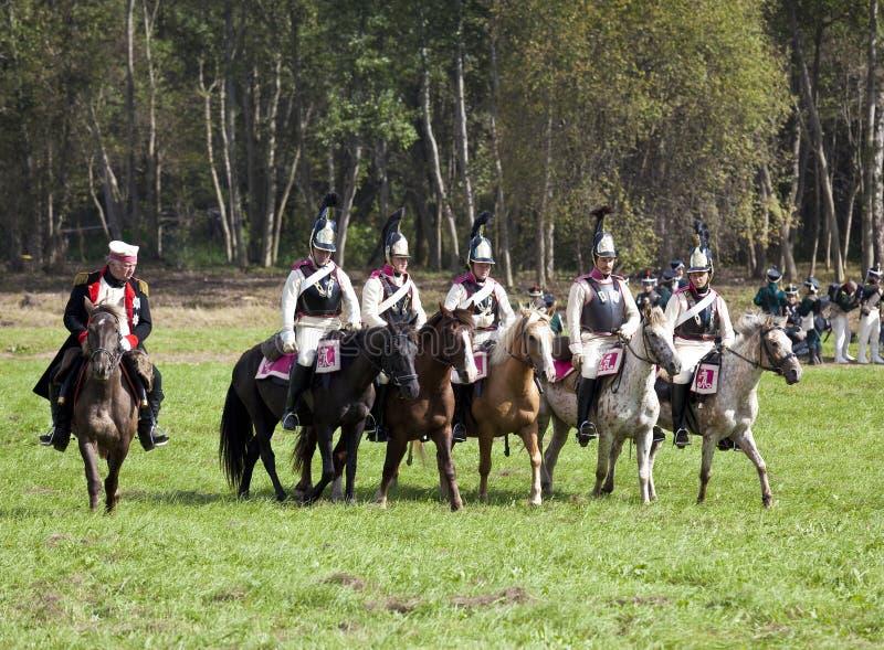 Reconstrucción de la batalla de Borodino entre los ejércitos rusos y franceses en 1812 fotos de archivo