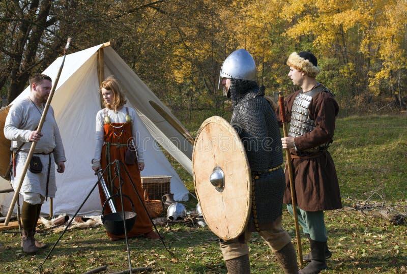 Reconstrucción de la vieja vida medieval rusa imágenes de archivo libres de regalías