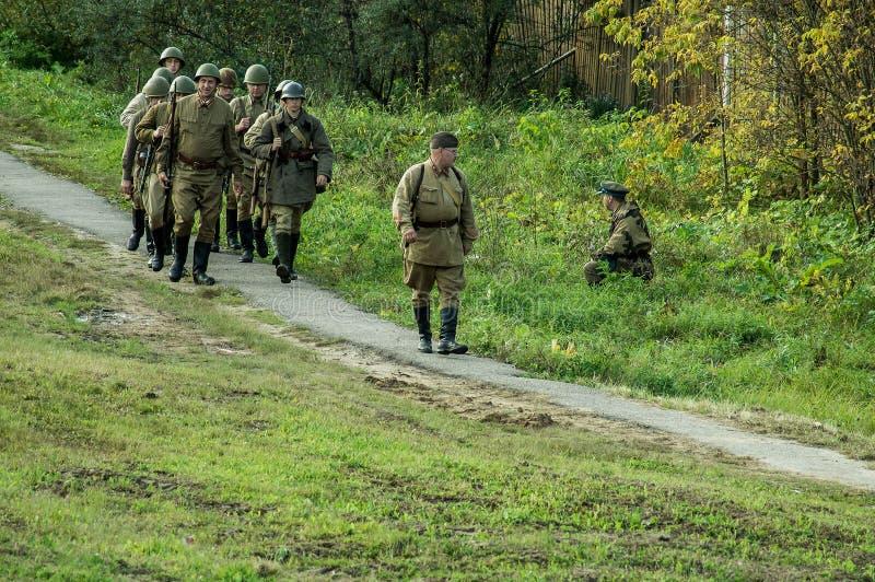 Reconstruction de bataille de la guerre mondiale 1941 2 dans la région de Kaluga de la Russie photo stock