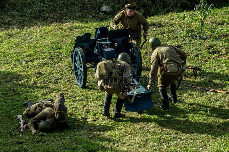 Reconstruction de bataille de la guerre mondiale 1941 2 dans la région de Kaluga de la Russie photos libres de droits