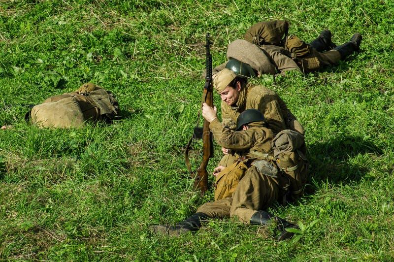 Reconstruction de bataille de la guerre mondiale 1941 2 dans la région de Kaluga de la Russie images libres de droits