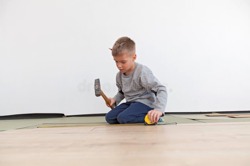 Reconstruction de plancher en bois photographie stock
