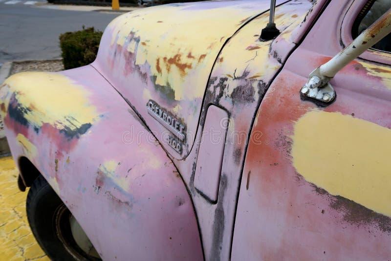Recordação do caminhão 50s do rosa de Chevy imagem de stock royalty free