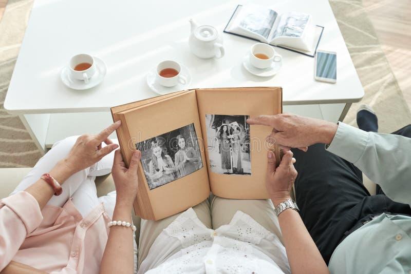 Recordando a juventude fotos de stock