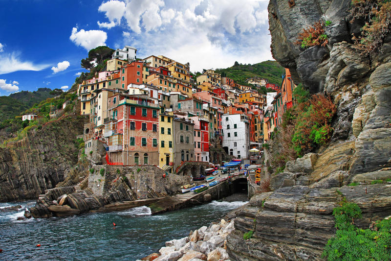 Recorrido en Italia - Riomaggiore imagen de archivo