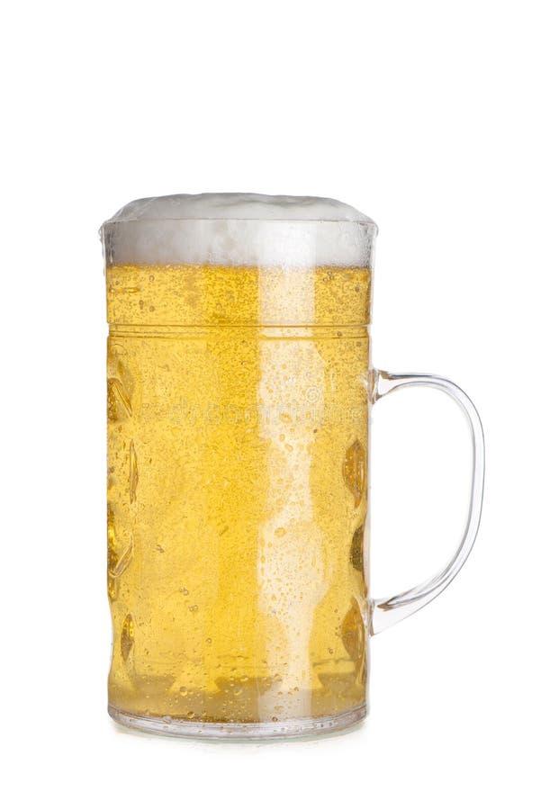 Recorte de Stein Filled de cristal alto con la cerveza fotografía de archivo libre de regalías