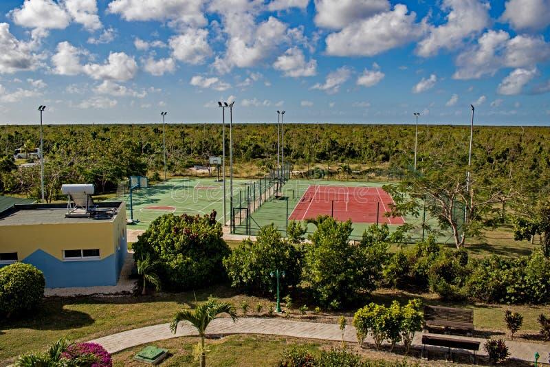 Recreatiegebied bij de Toevlucht van Playa Paraiso in Cayo Coco, Cuba royalty-vrije stock afbeelding