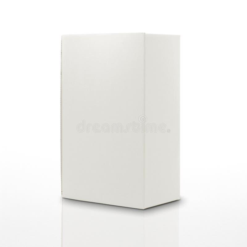 Rectángulo blanco del cartón aislado en blanco con la reflexión imagen de archivo libre de regalías