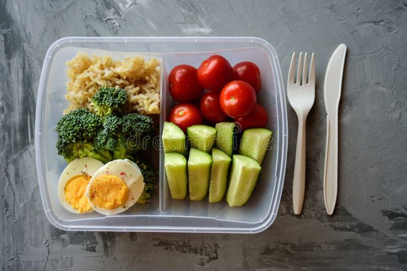 Rectángulo de almuerzo vegetariano sano fotos de archivo