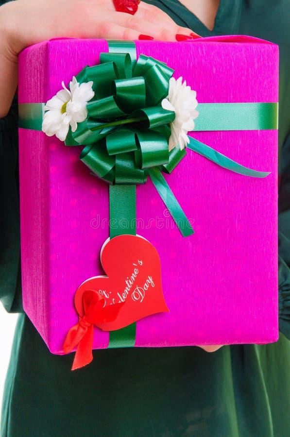 Rectángulo de regalo con el corazón