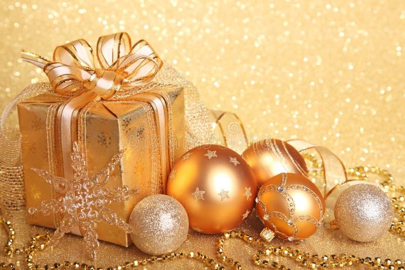 Rectángulo de regalo de la Navidad fotos de archivo