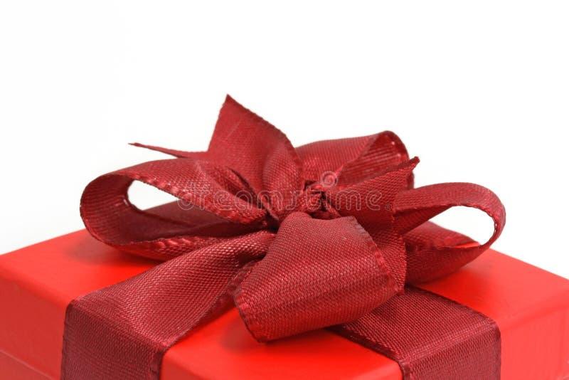 Rectángulo De Regalo Rojo Fotos de archivo libres de regalías