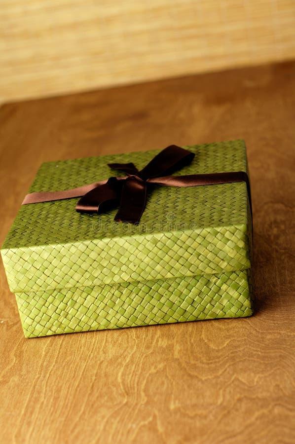 Rectángulo de regalo verde imagen de archivo