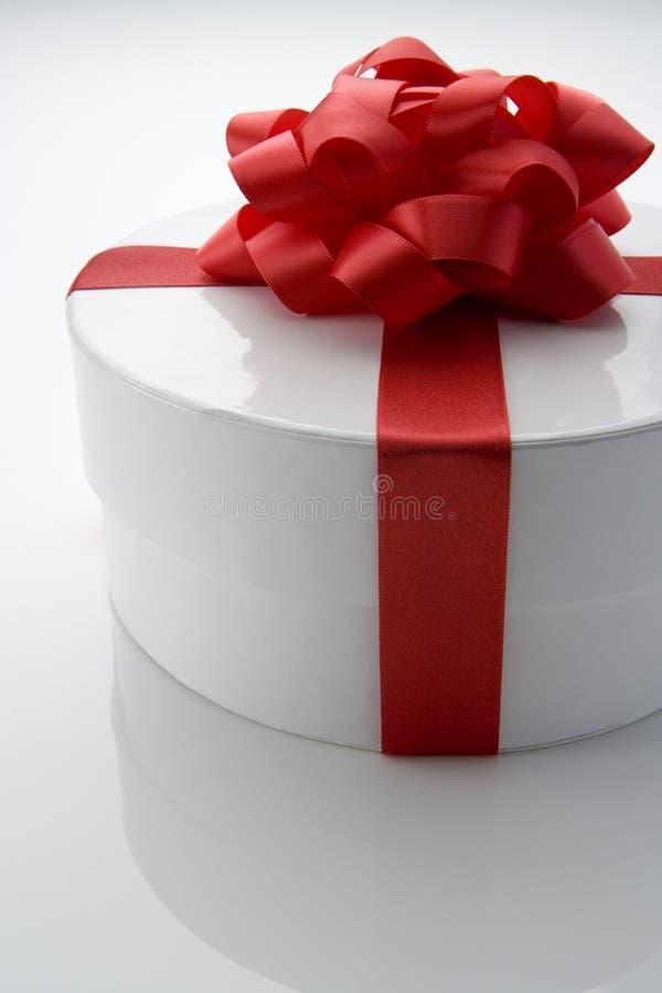 Rectángulo envuelto regalo fotografía de archivo libre de regalías
