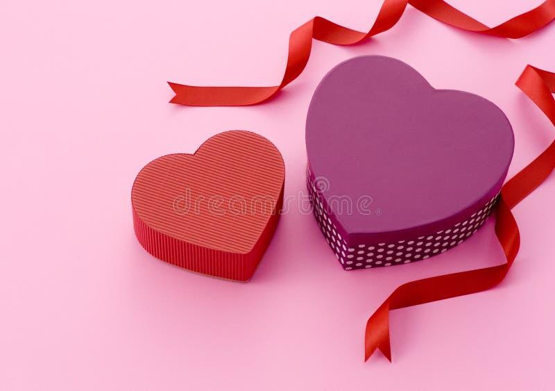 Rectángulos de regalo para el día de tarjetas del día de San Valentín fotografía de archivo