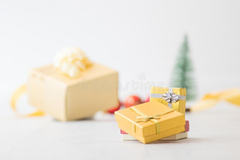 Rect?ngulo de regalo de la Navidad fotos de archivo