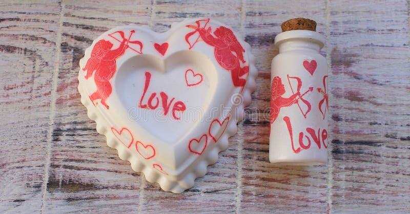 Recuerdo hecho a mano a St Valentine& x27; día de s fotografía de archivo libre de regalías