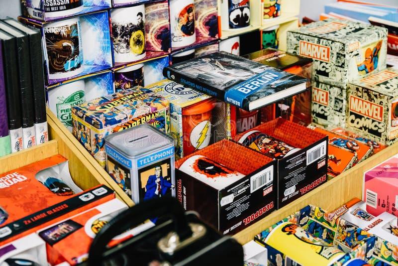 Recuerdos de los tebeos disponibles para la venta en tienda de cómic fotos de archivo