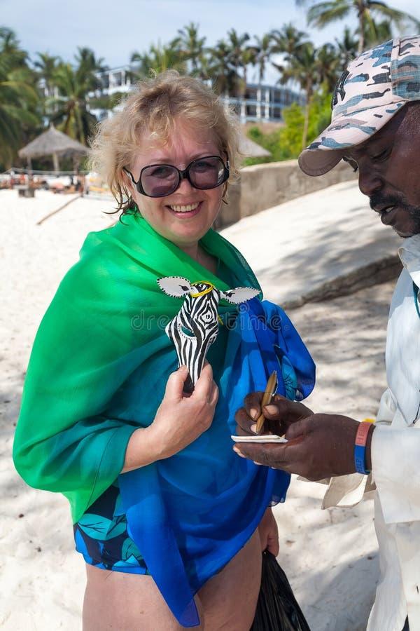 Recuerdos hechos a mano exóticos de África imágenes de archivo libres de regalías