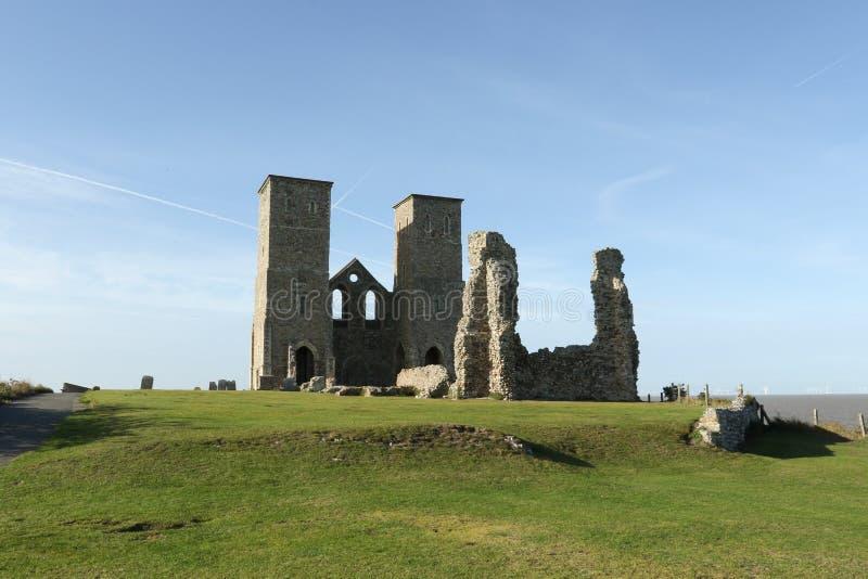 Reculver góruje rzymskiego saxon brzeg fort i resztki 12th wieka kościół obraz royalty free