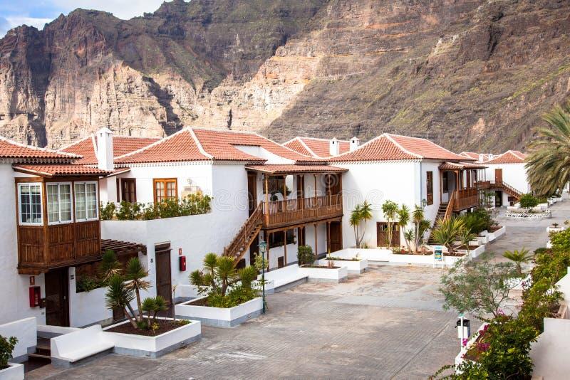 Recurso de feriado do Los Gigantes. Tenerife. Spain. imagens de stock