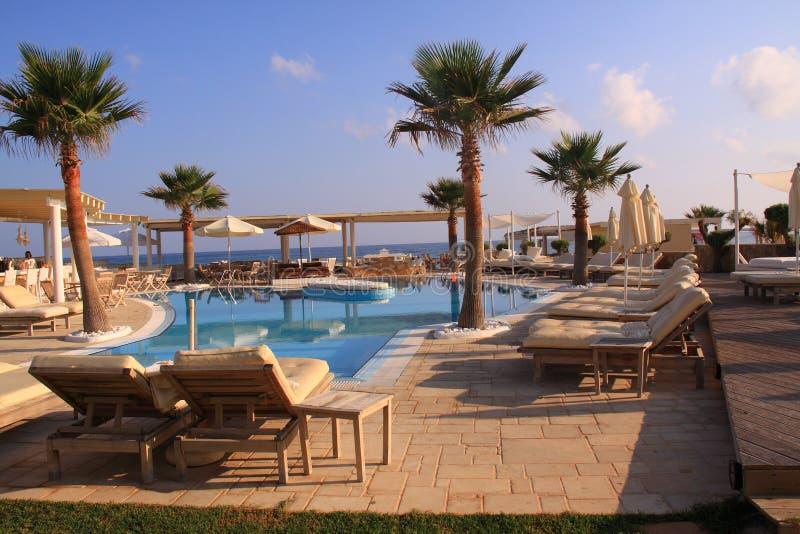 Recurso luxuoso da piscina foto de stock royalty free
