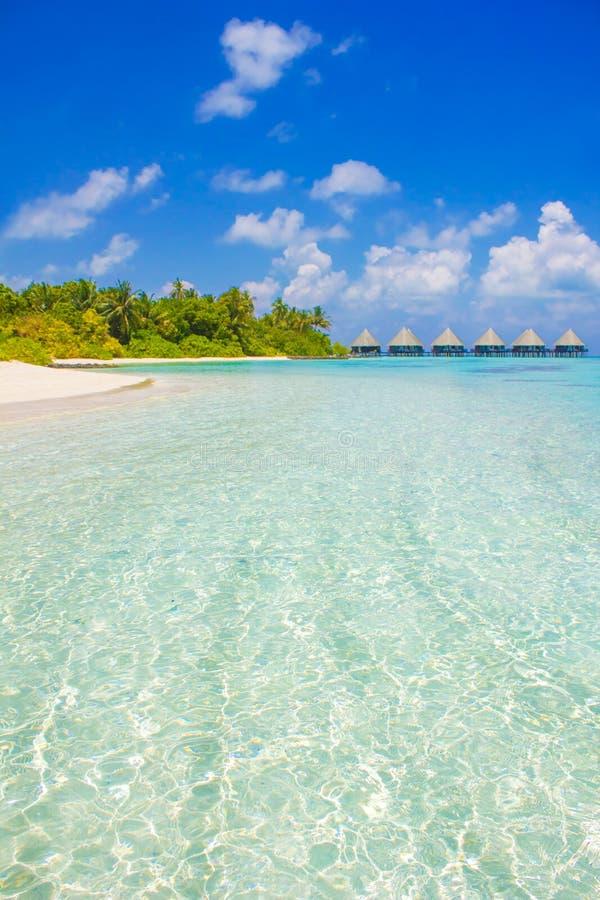 Recurso luxuoso em Maldivas, Eden da lua de mel na terra fotografia de stock
