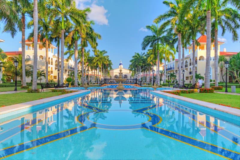 Recurso tropical luxuoso foto de stock royalty free