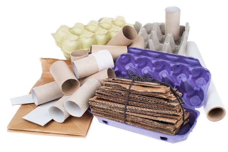 Recyclable kartonu odpady odizolowywający na bielu fotografia stock