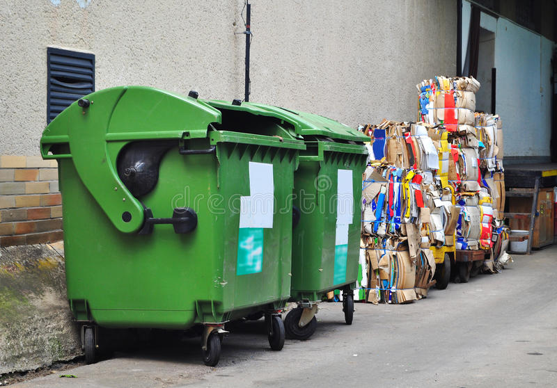Recycle utilizó el papel imagenes de archivo