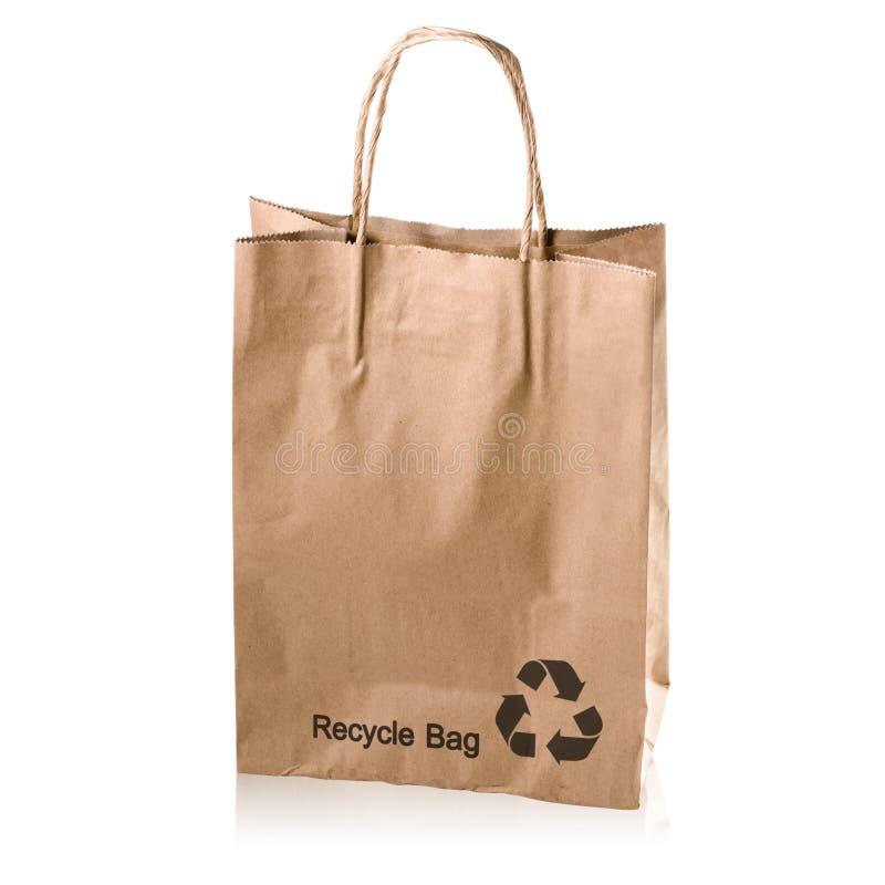 Recycleer document zak met exemplaarruimte op een witte achtergrond: Knippende weg stock foto's