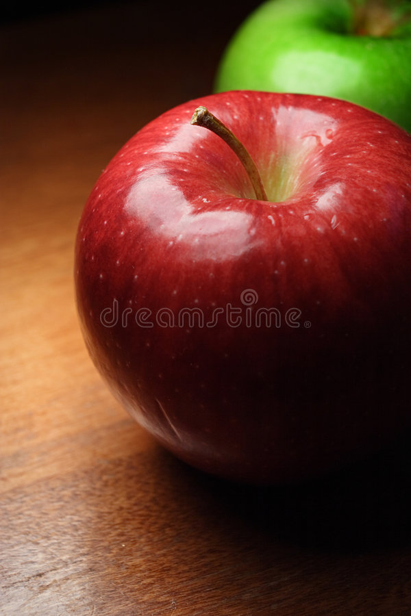 Free Red And Green Apple Closeup Royalty Free Stock Image - 3499576