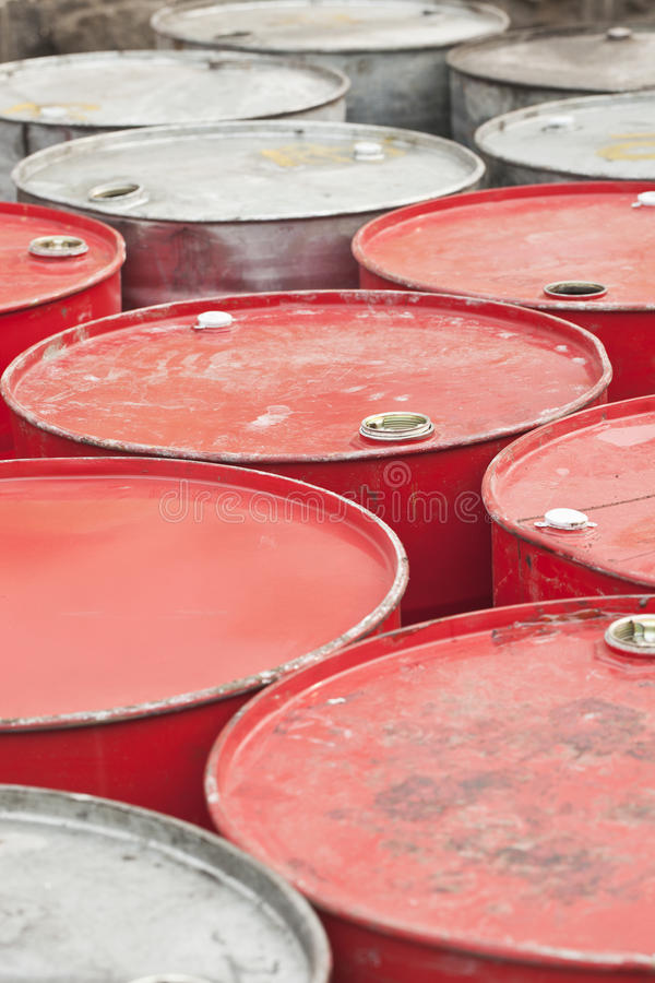 Free Red And Silver Empty Oil-drums Royalty Free Stock Photo - 93086485