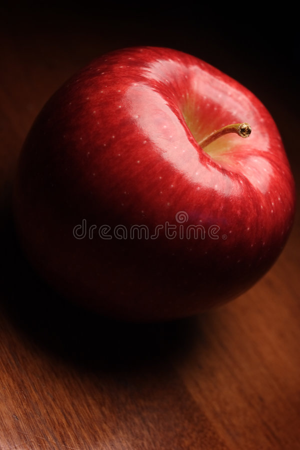 Free Red Apple Stock Image - 3553881
