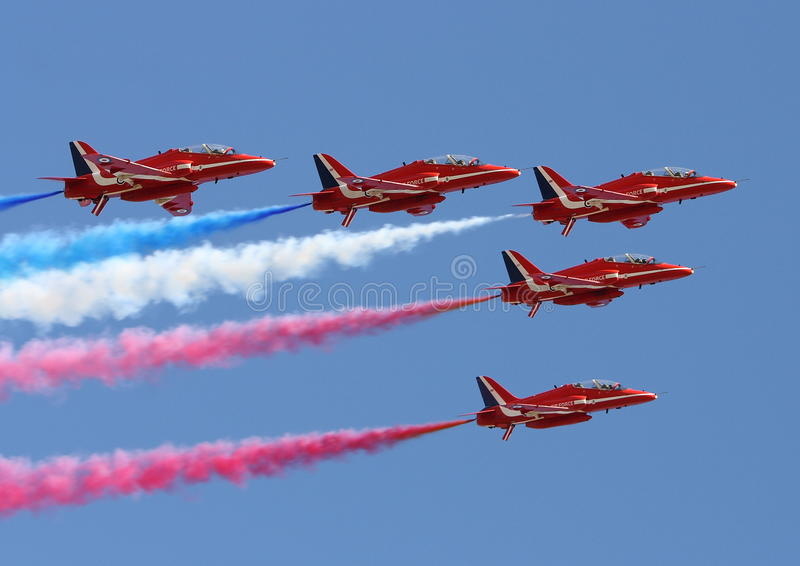 Download Red Arrows editorial stock image. Image of aircraft, smike - 15947339