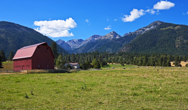 Red barn with farmhouse, Oregon royalty free stock photo