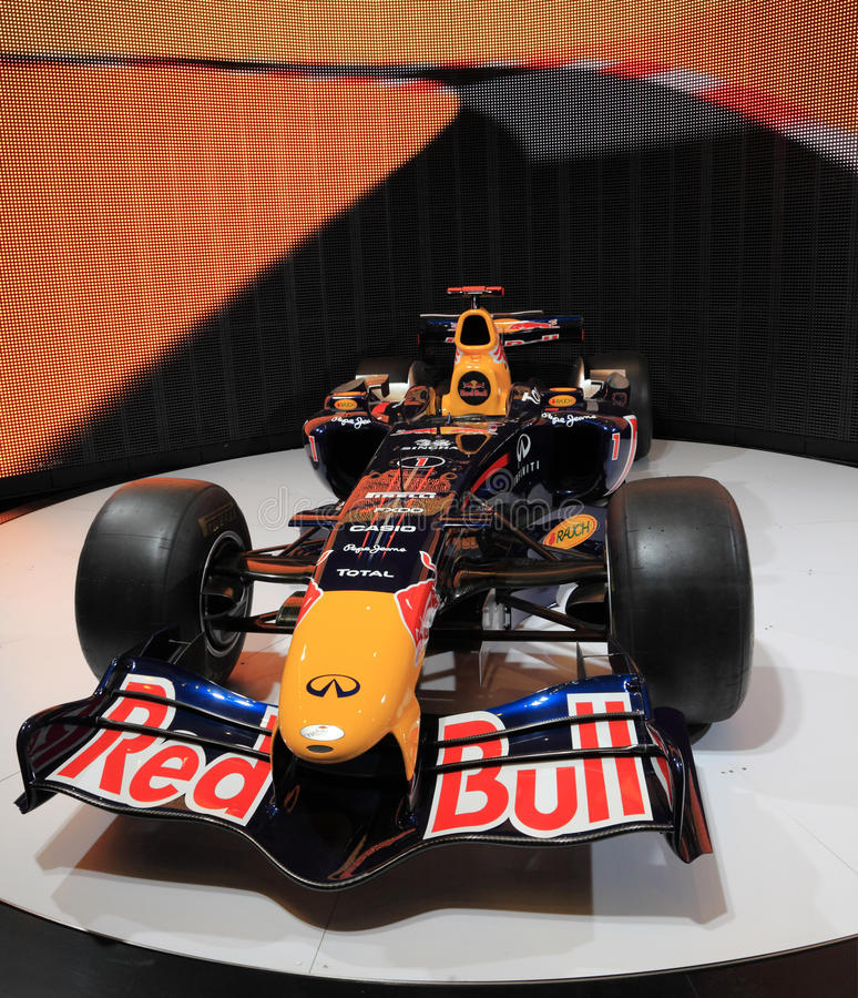 Red Bull Emballant RB7 Renault Image éditorial