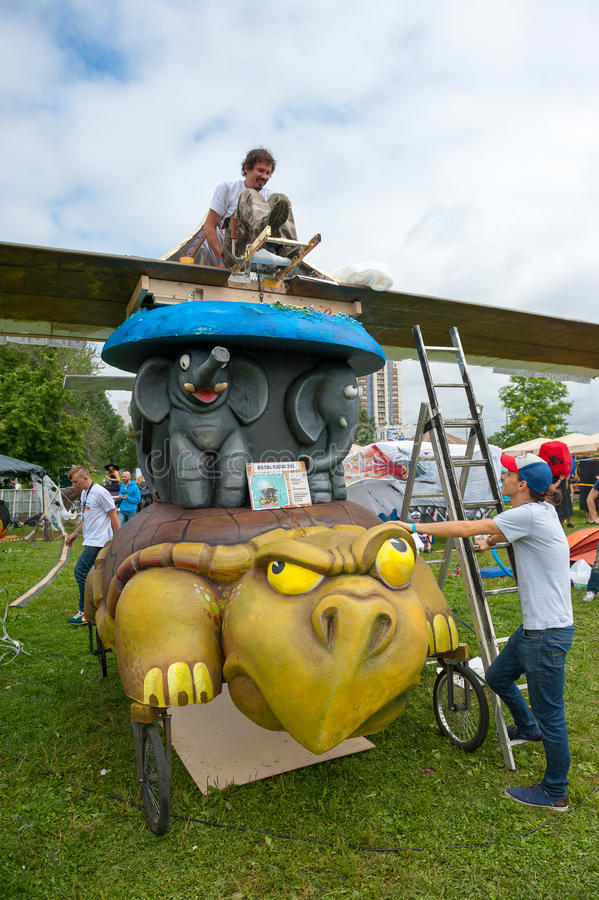 Download Red Bull Flugtag In Moscow 2013 Editorial Stock Photo - Image: 32612648