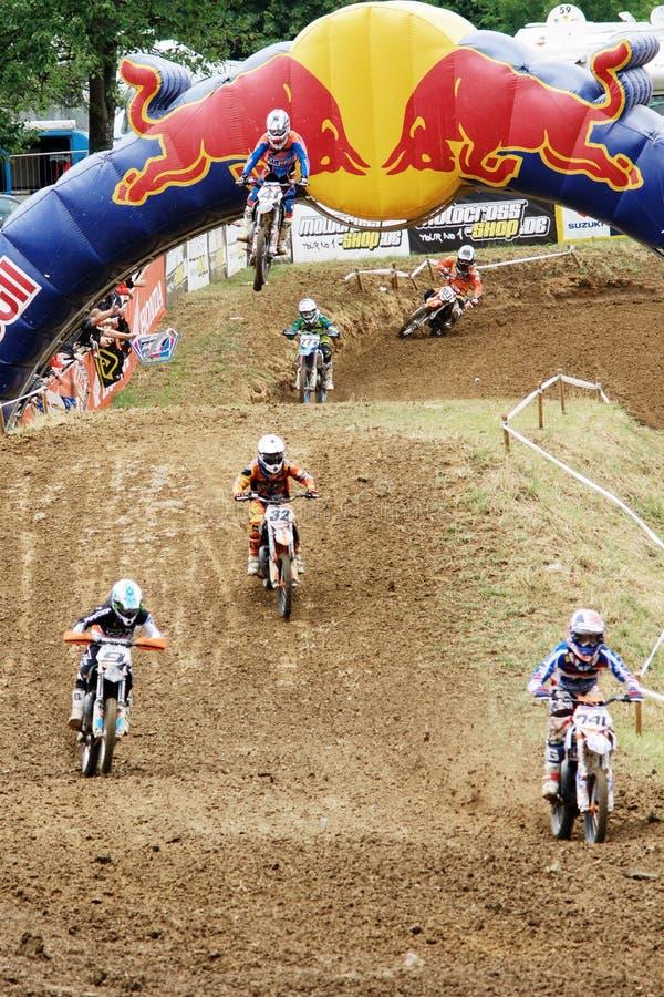 Red Bull motocrosskonkurrens royaltyfria bilder