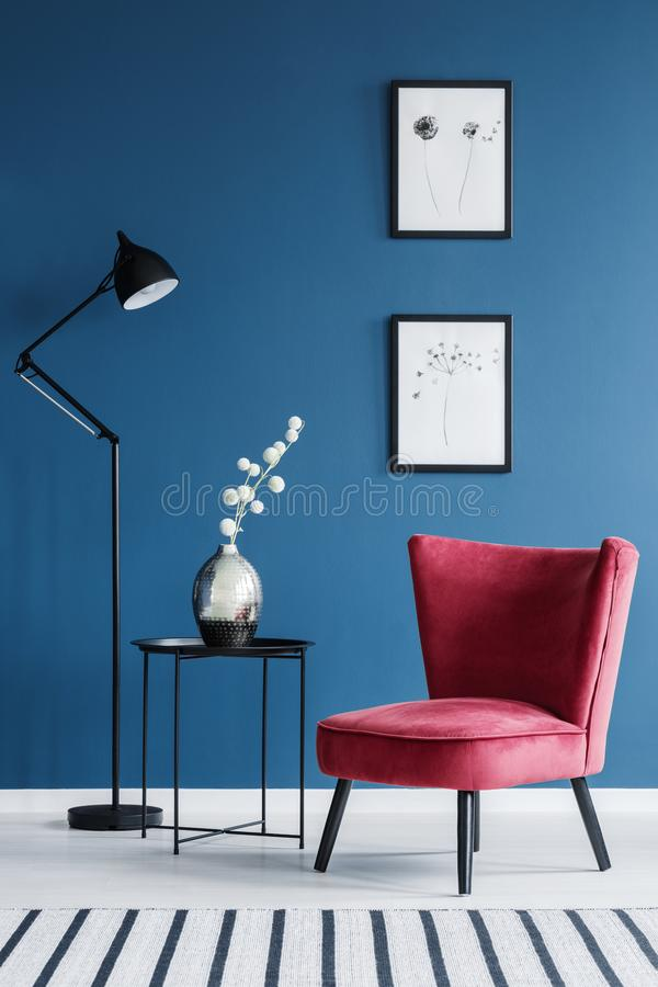 Free Red Chair In Blue Interior Royalty Free Stock Photos - 116189148