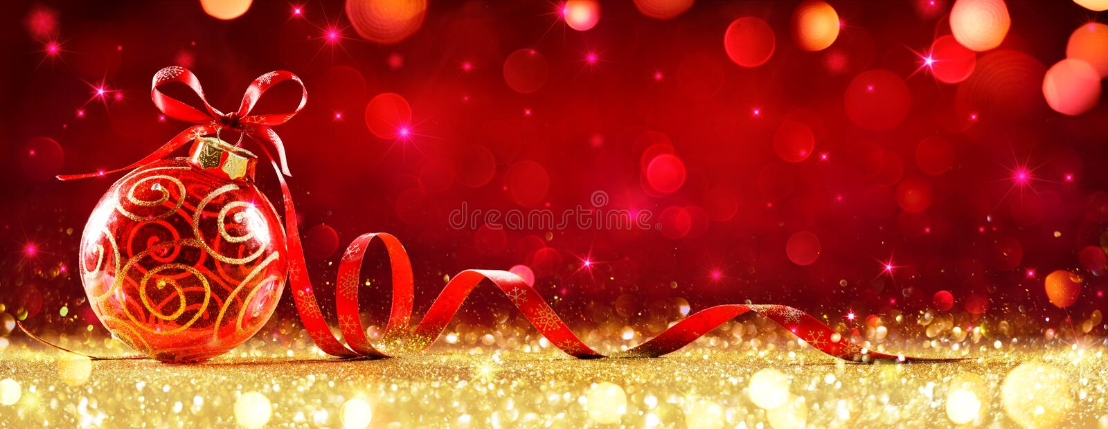 Red Christmas Sphere With Bow royalty free stock photos
