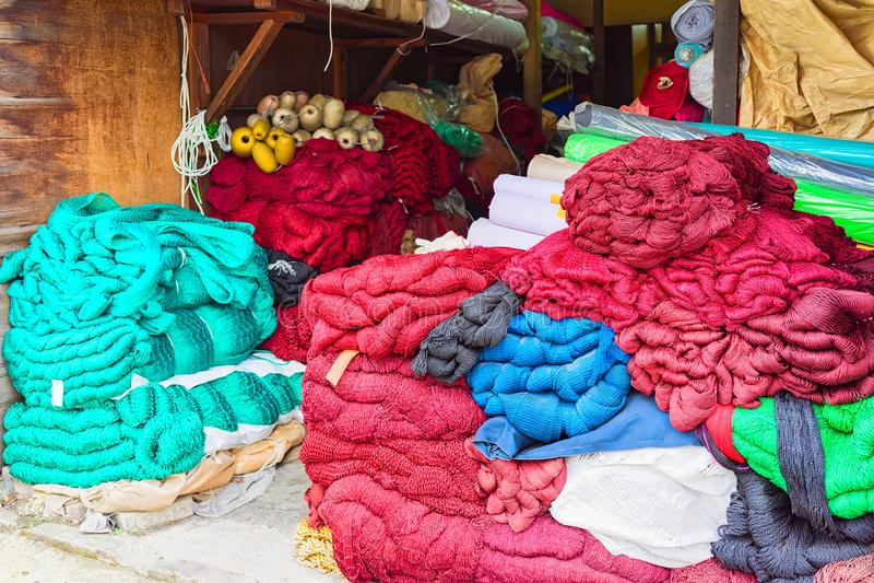 Red de pesca en venta en el mercado de pescados en Busán fotografía de archivo libre de regalías